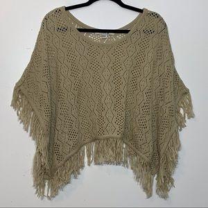 EUC Forever 21 gorgeous tan woven fringed poncho